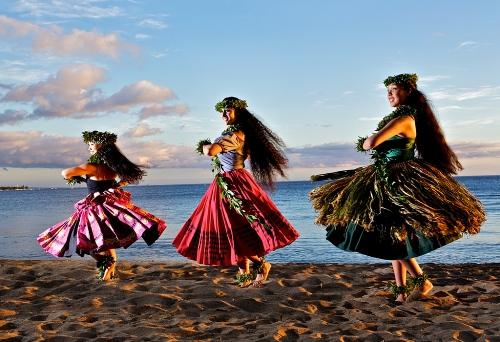 Праздник гавайских танцев